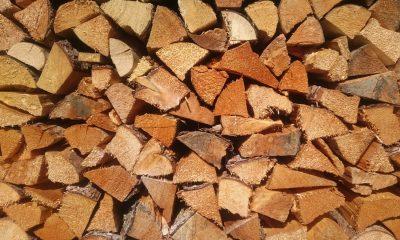 Holz für den Winter am Gartenhaus